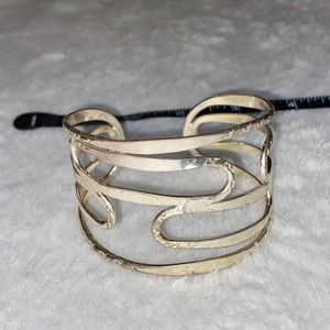unbranded Jewelry - 💎BOGO FREE! Beautiful gold/silver bracelet!💎